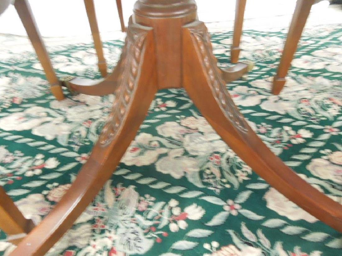 Federal Style 5 Pc Dining Room Set - 5