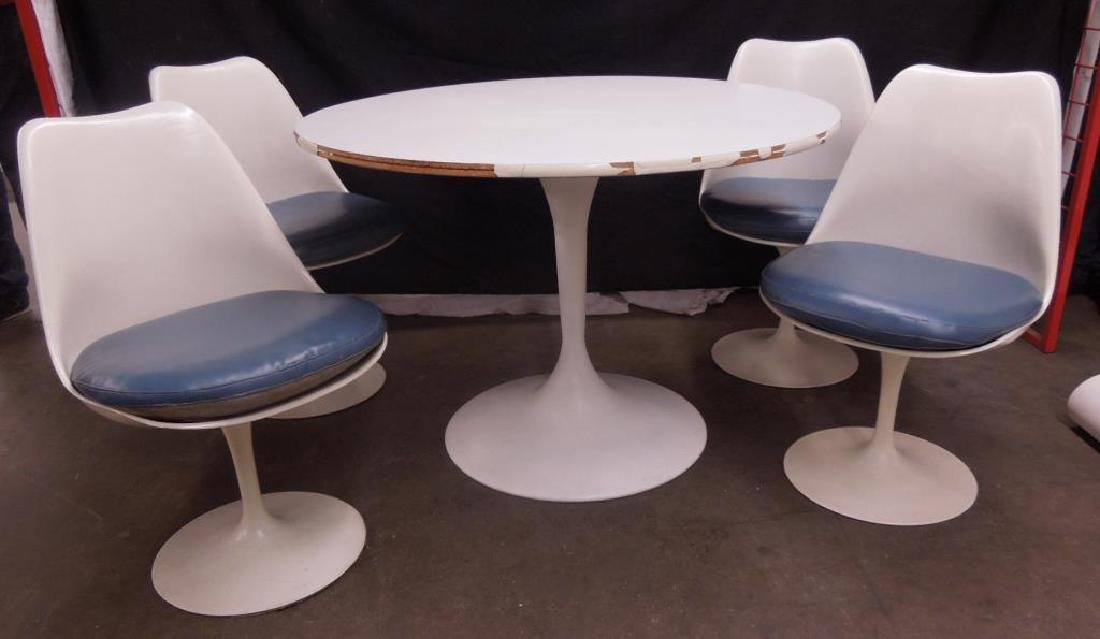 Saarinen-type Table & Chairs
