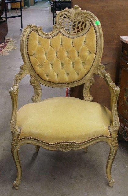 1016: Pair Louis XV Style Fautueils