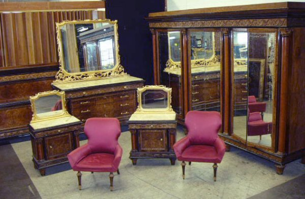 1019: Italian Neoclassical Revival Seven Piece Bedroom