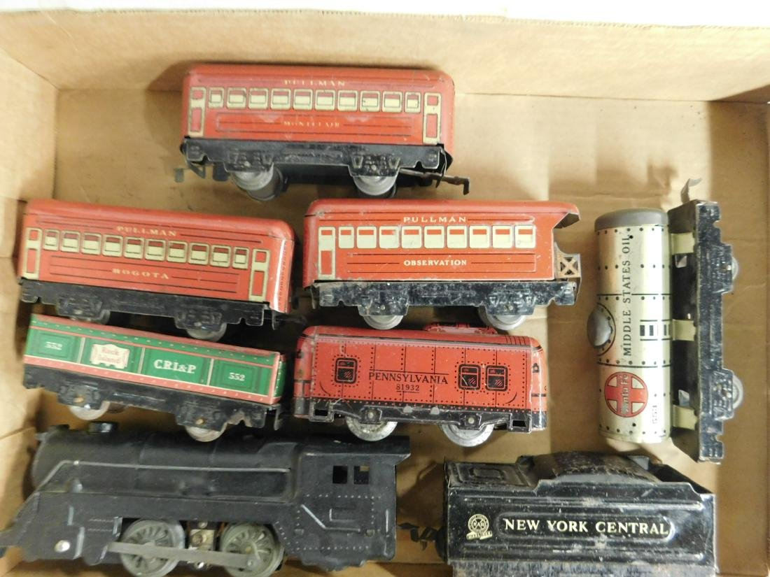 Marx Tin Locomotive Tender & Cars