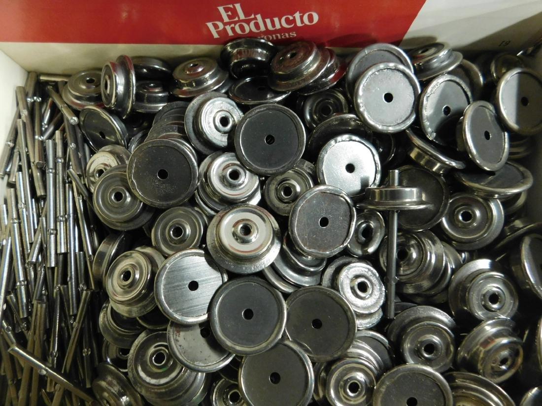 """Large Lot """"O"""" Gauge Metal Wheels & Axles"""