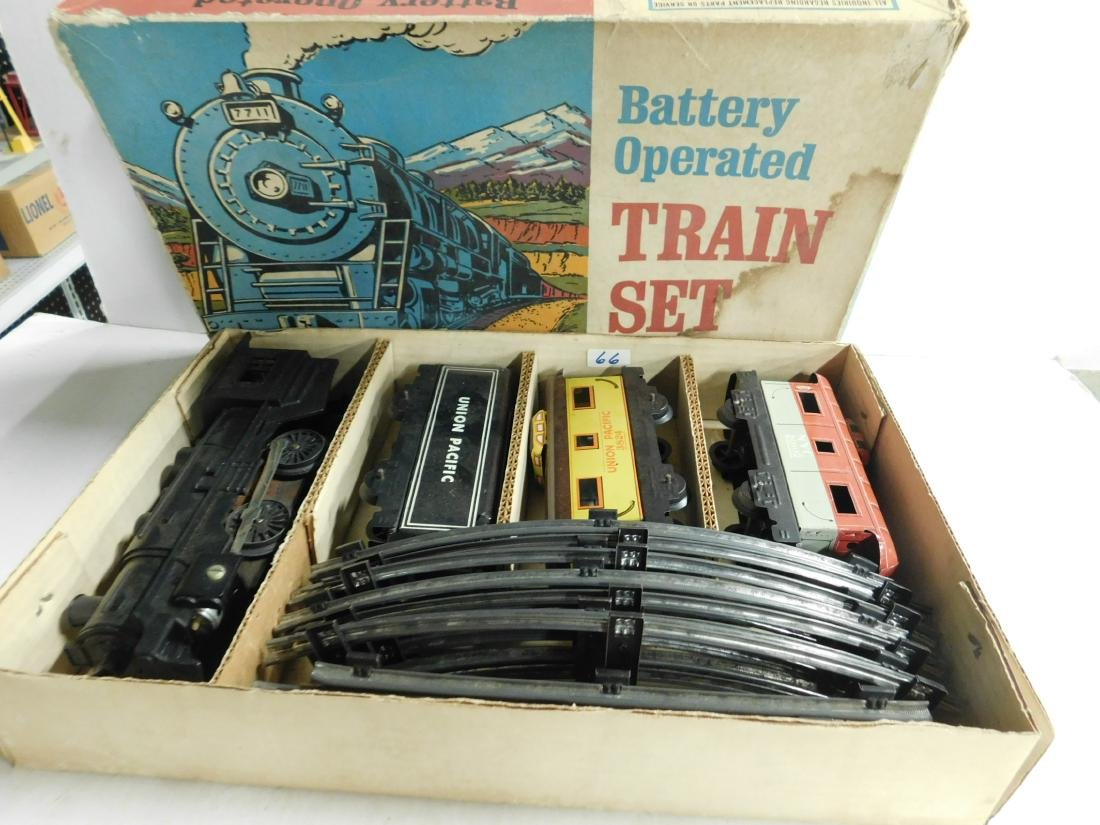 Vintage Marx Battery Operated Train Set