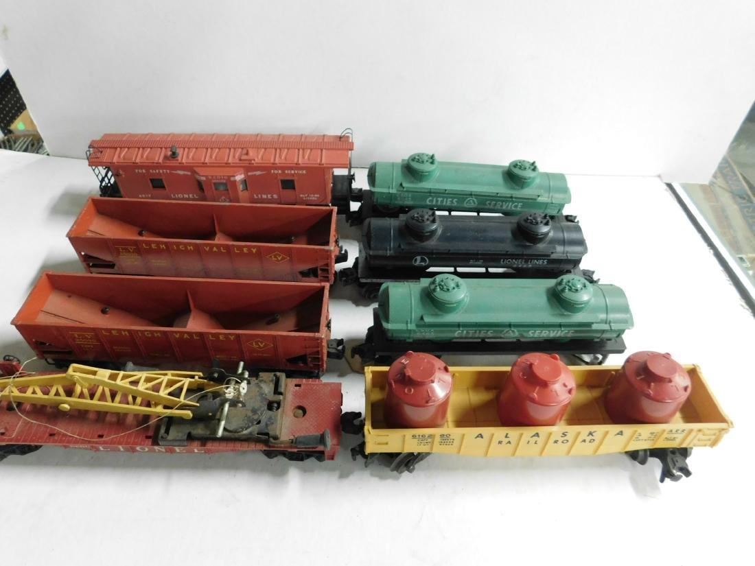 Lot Assorted Lionel Train Cars