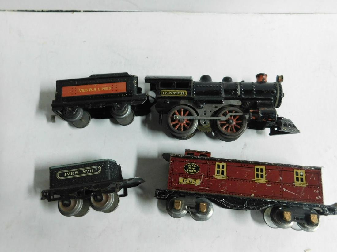 Vintage Ives RR Line Engine & Cars