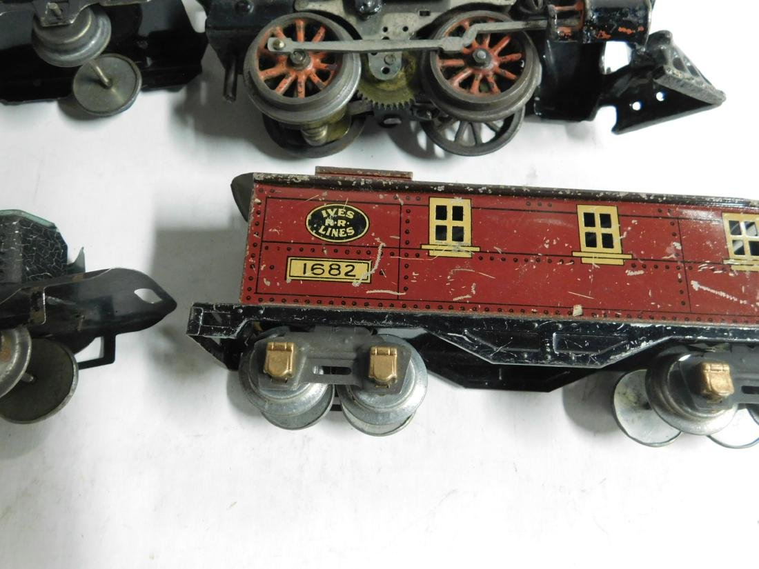 Vintage Ives RR Line Engine & Cars - 6
