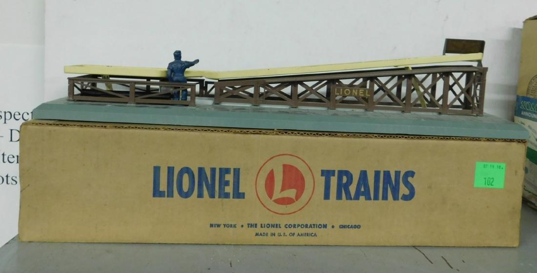 Lionel Postwar Barrel Loader