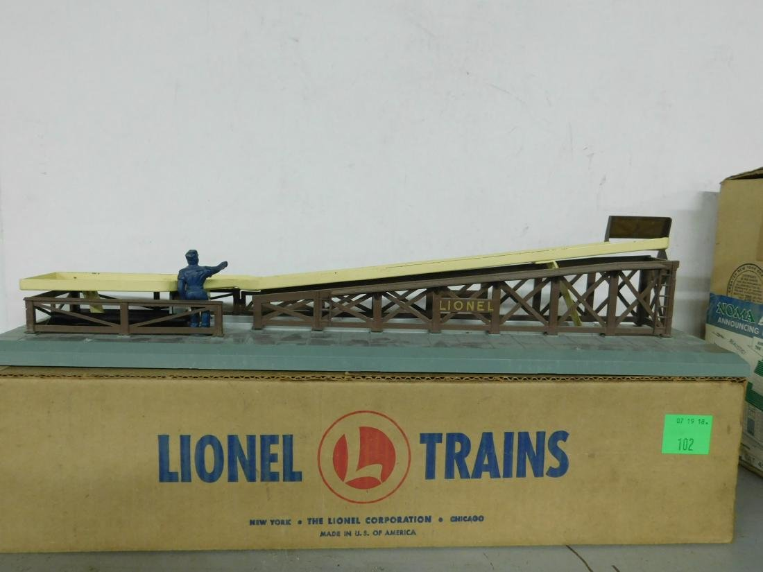 Lionel Postwar Barrel Loader - 2