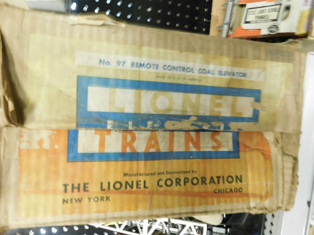 Lionel Postwar Remote Control Coal Elevator - 2