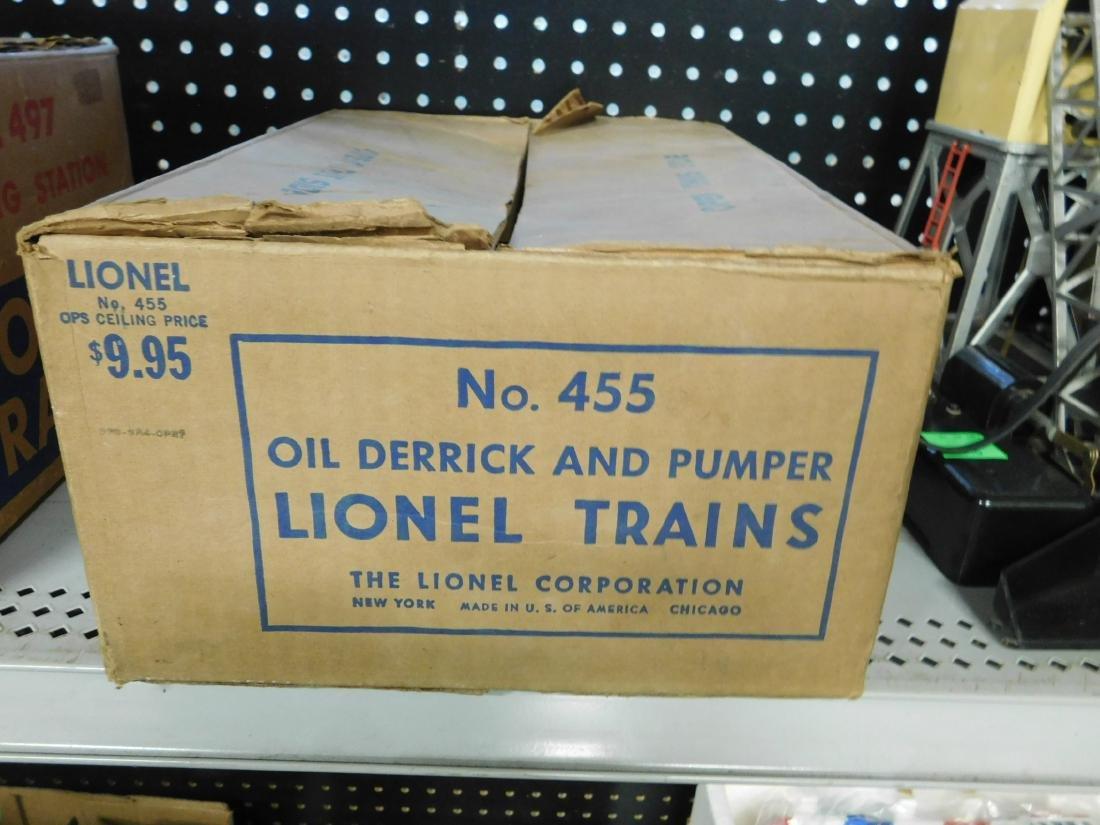 Vintage Lionel Oil Derrick & Pumper - 3