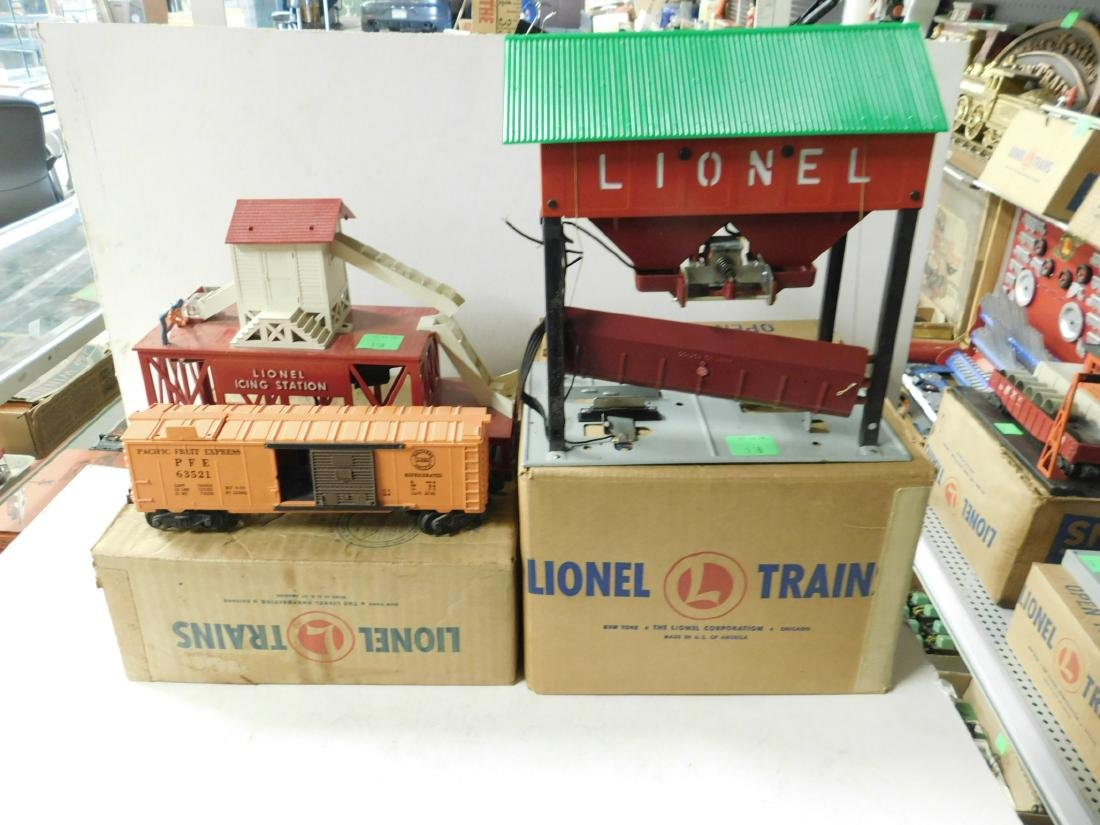 2 Postwar Lionel Mechanical Train Accessories - 4