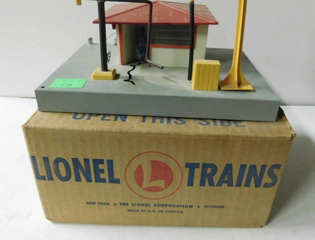 Vintage Lionel Diesel Fueling Station - 2