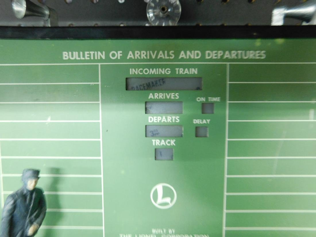 Postwar Lionel Dispatching Board in Box - 3