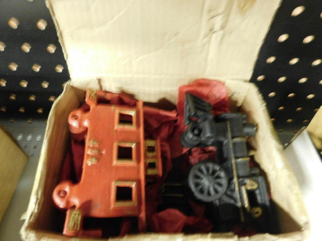 Assorted Cast Iron Train Pieces - 2