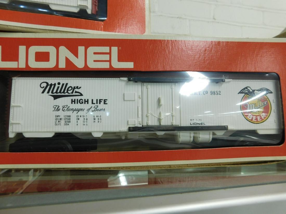 3 Lionel Beer Advertising Reefer Cars - 4