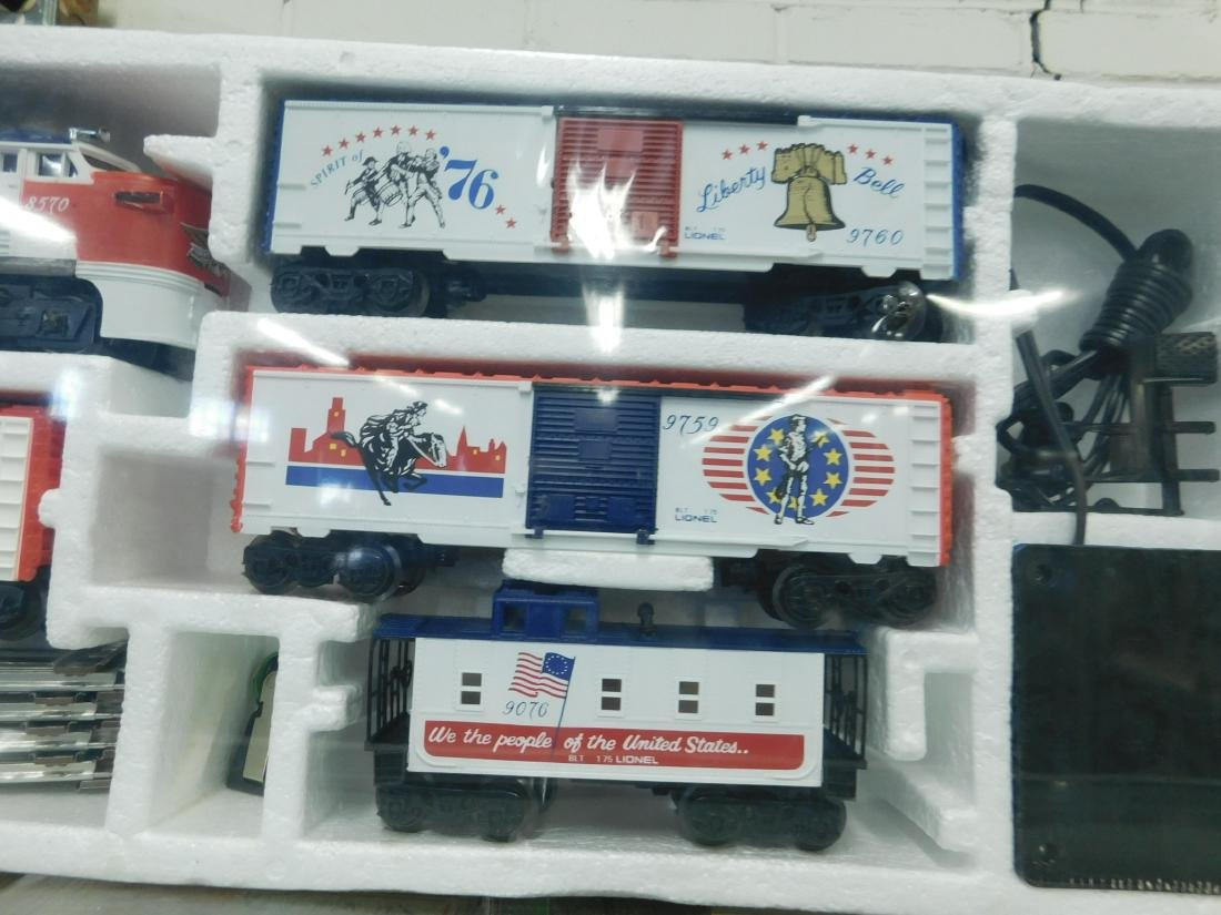 Lionel The Liberty Special Electric Train Set - 3