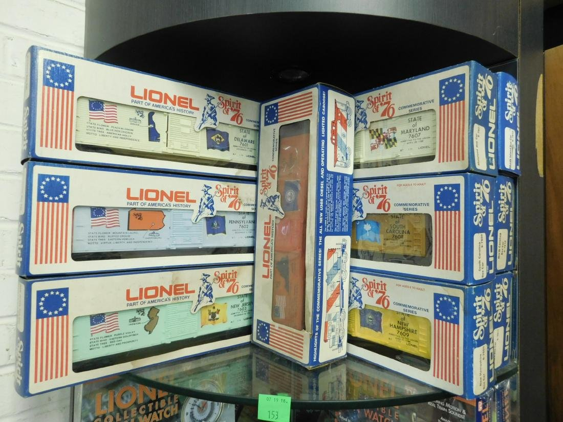12 Lionel Spirit of '76 Box Cars