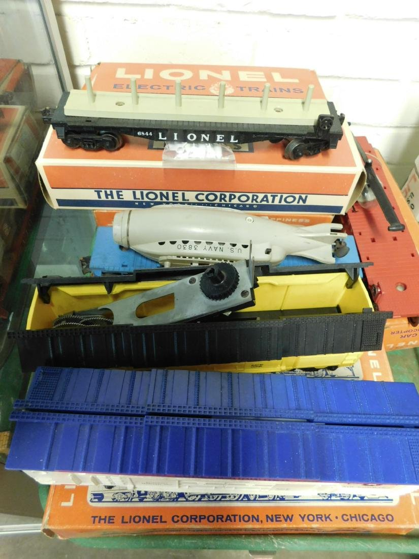Lot Lionel Space Military Train Cars