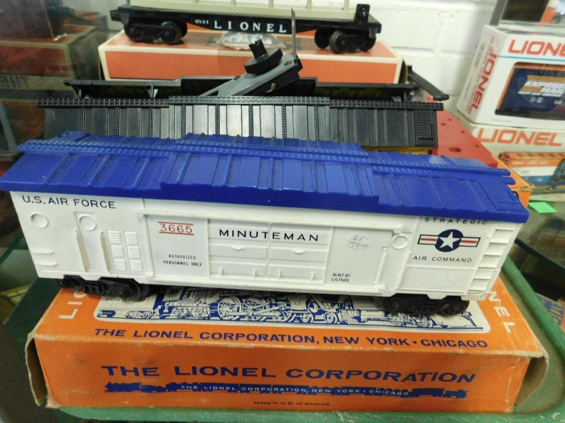 Lot Lionel Space Military Train Cars - 4