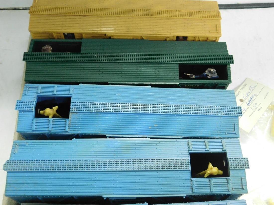 5 Lionel Postwar Operating Box Cars - 3