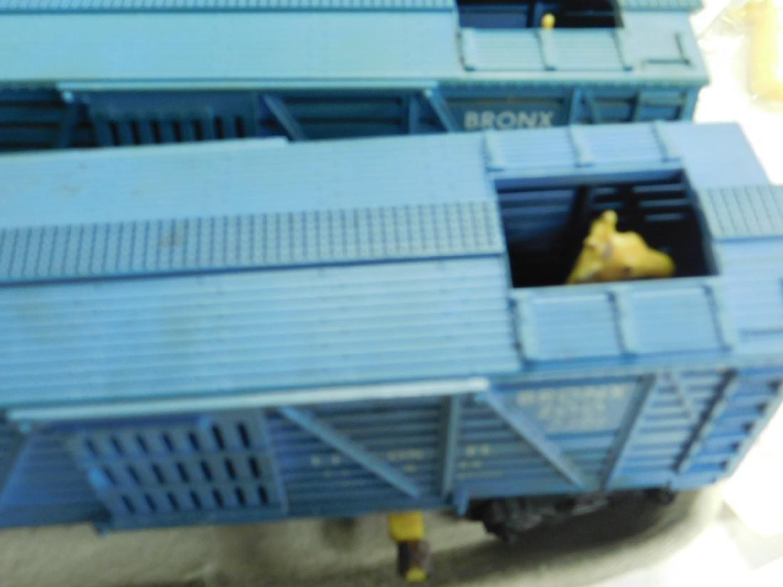 5 Lionel Postwar Operating Box Cars - 7