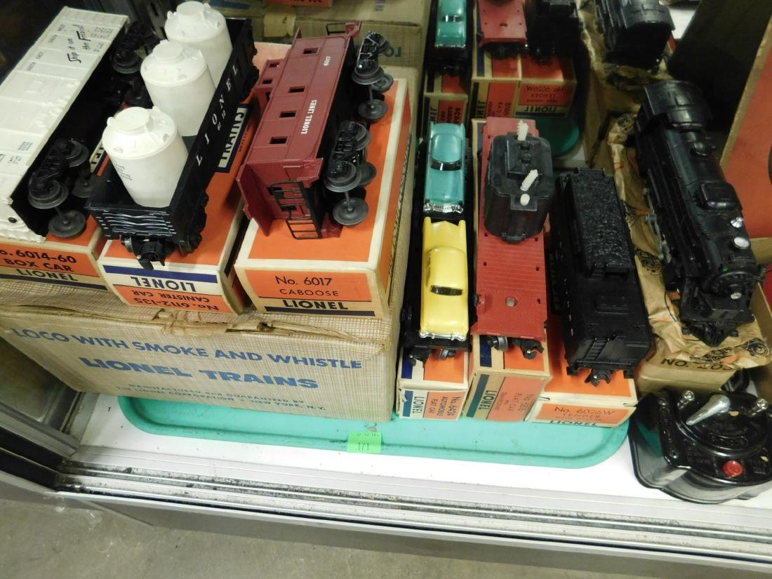 Lionel Postwar Engine, Tender & Cars w/Boxes