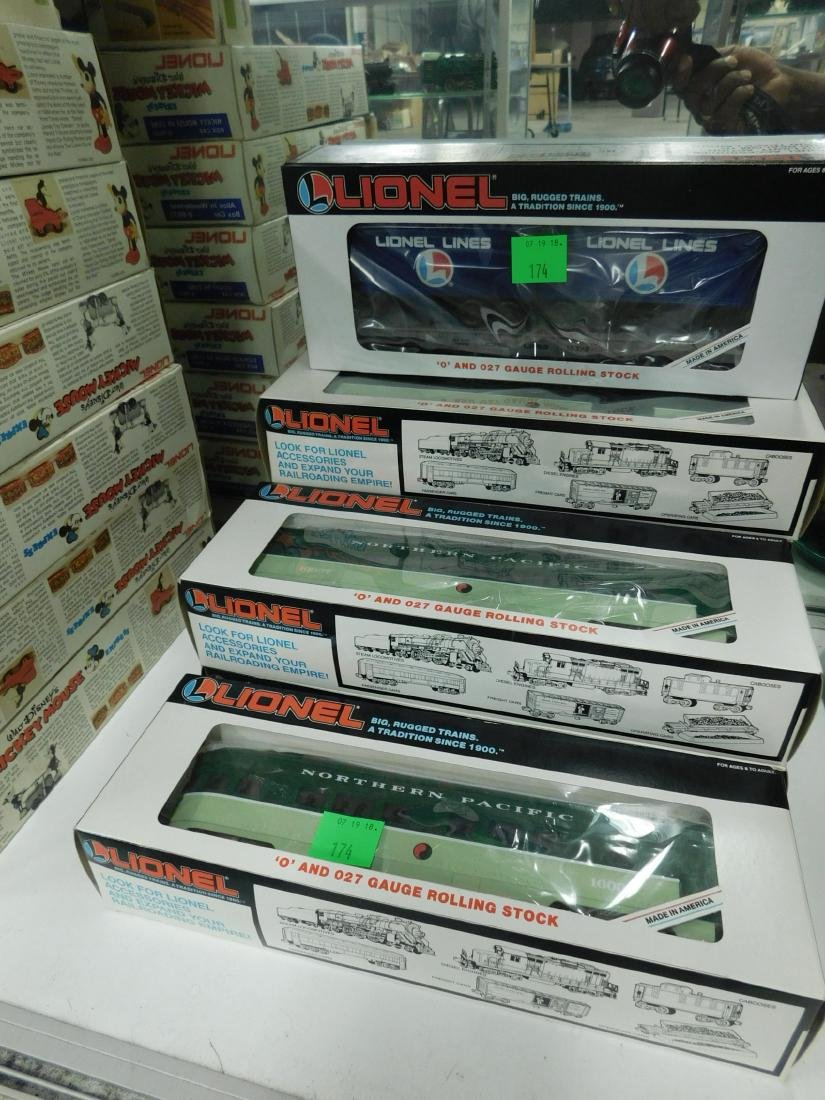 7 Lionel Rolling Stock Train Cars in Boxes