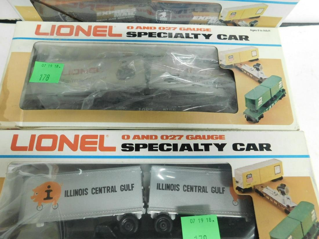 5 Lionel Specialty Train Cars in Boxes - 3