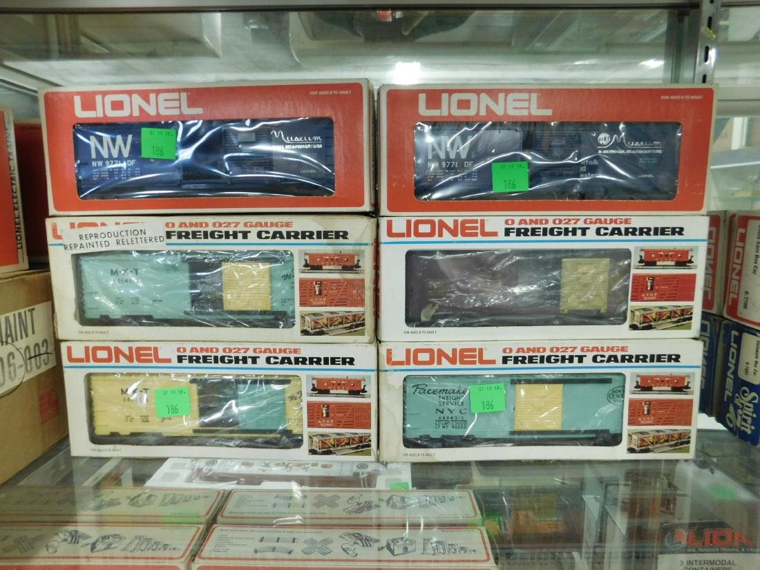 6 Lionel Box Cars In Original Boxes