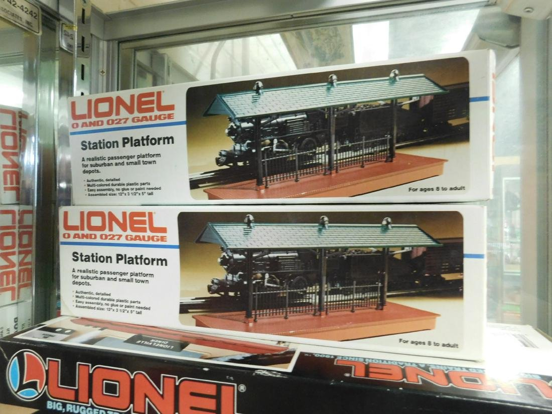 3 Lionel Train Track Accessories in Boxes - 3
