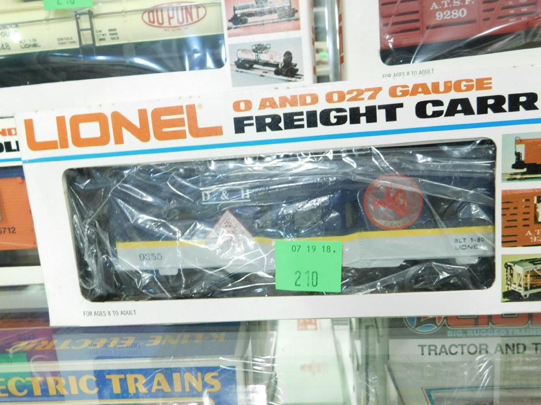 5 Lionel Rolling Stock & Other Train Cars - 3