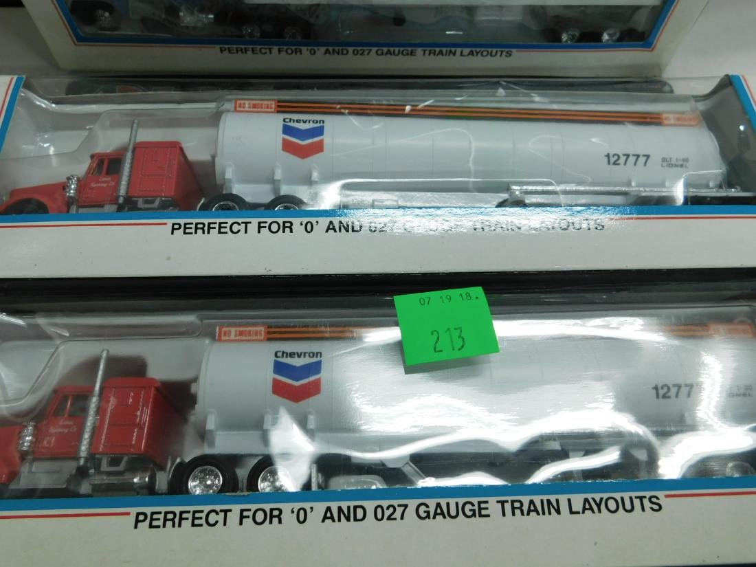 5 Lionel Tractor Trailers in Boxes - 3