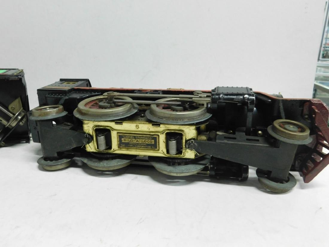 Lionel prewar Standard Gauge Engine & Tender - 8