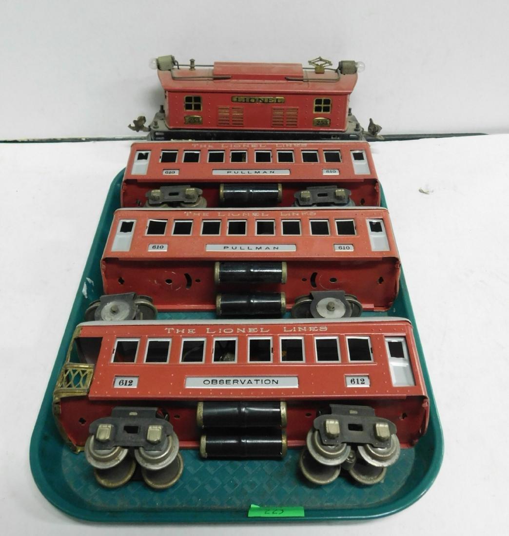 Lionel Prewar Engine & Train Cars