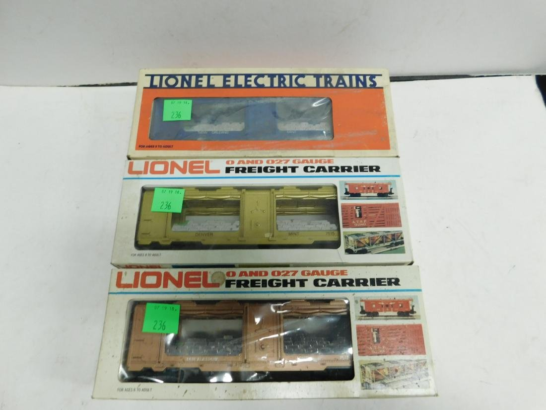 3 Lionel US Train Cars in Boxes
