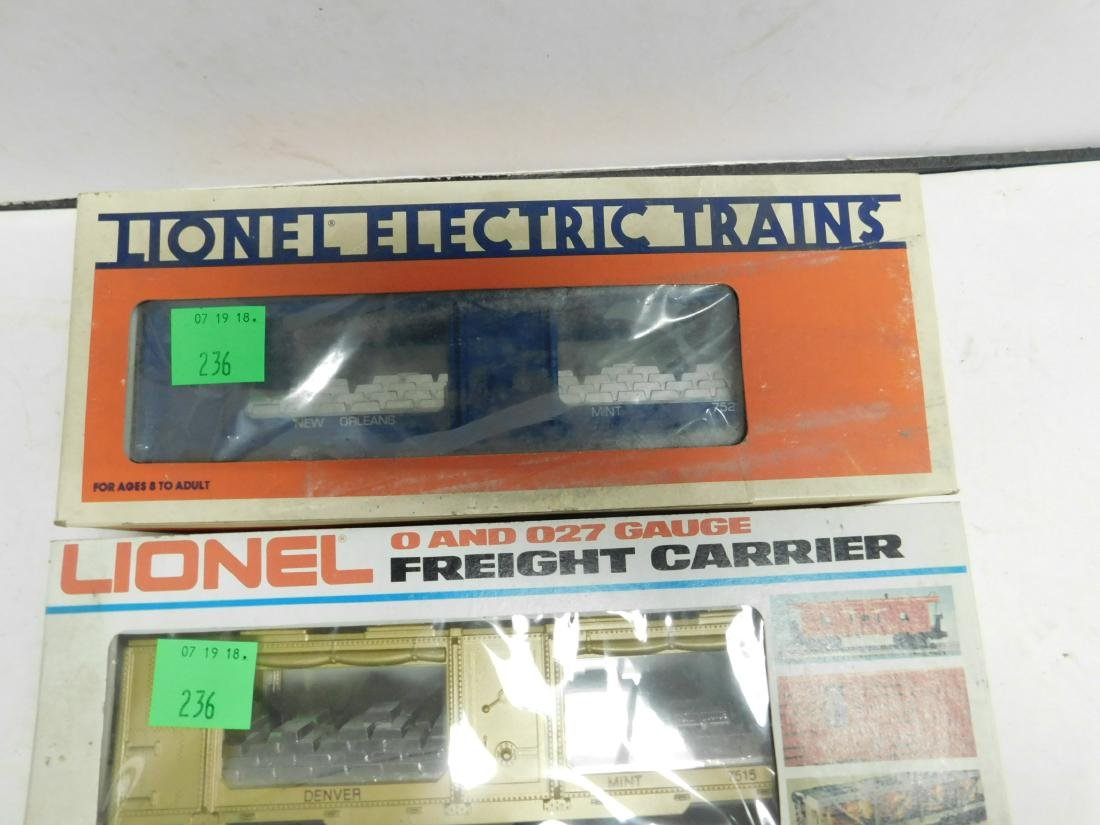 3 Lionel US Train Cars in Boxes - 3