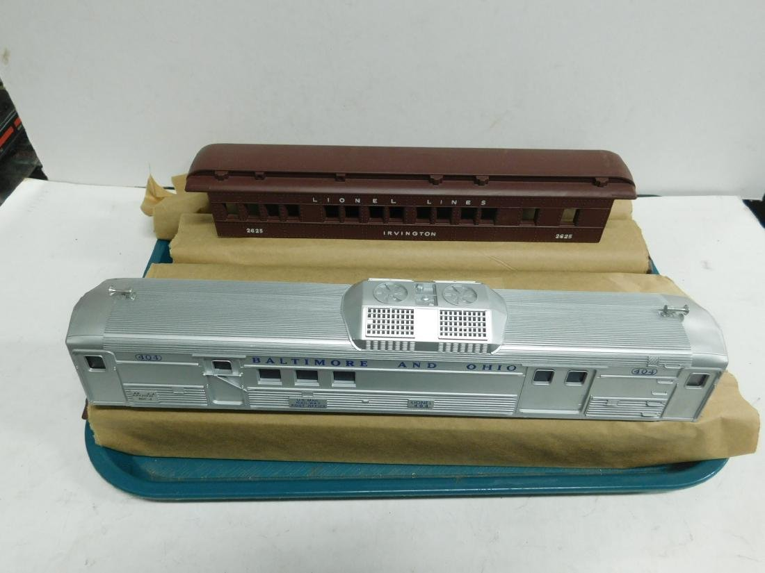 6 Lionel Train Cars Body Only
