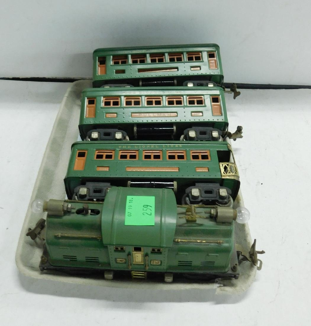 Lionel Prewar Engine & Train Cars