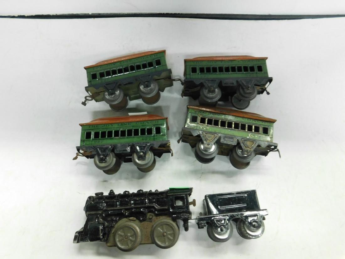Vintage Cast Iron Wind up Engine & Cars