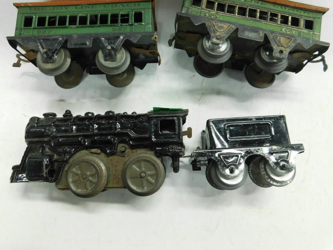 Vintage Cast Iron Wind up Engine & Cars - 2