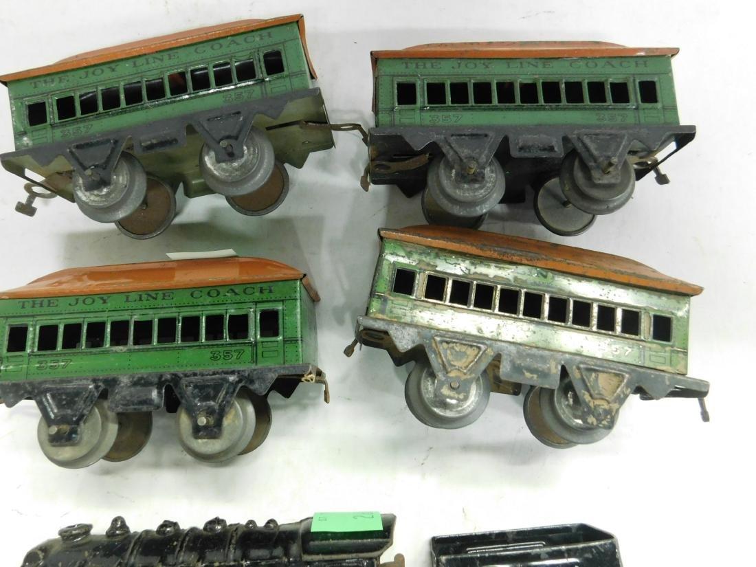 Vintage Cast Iron Wind up Engine & Cars - 3