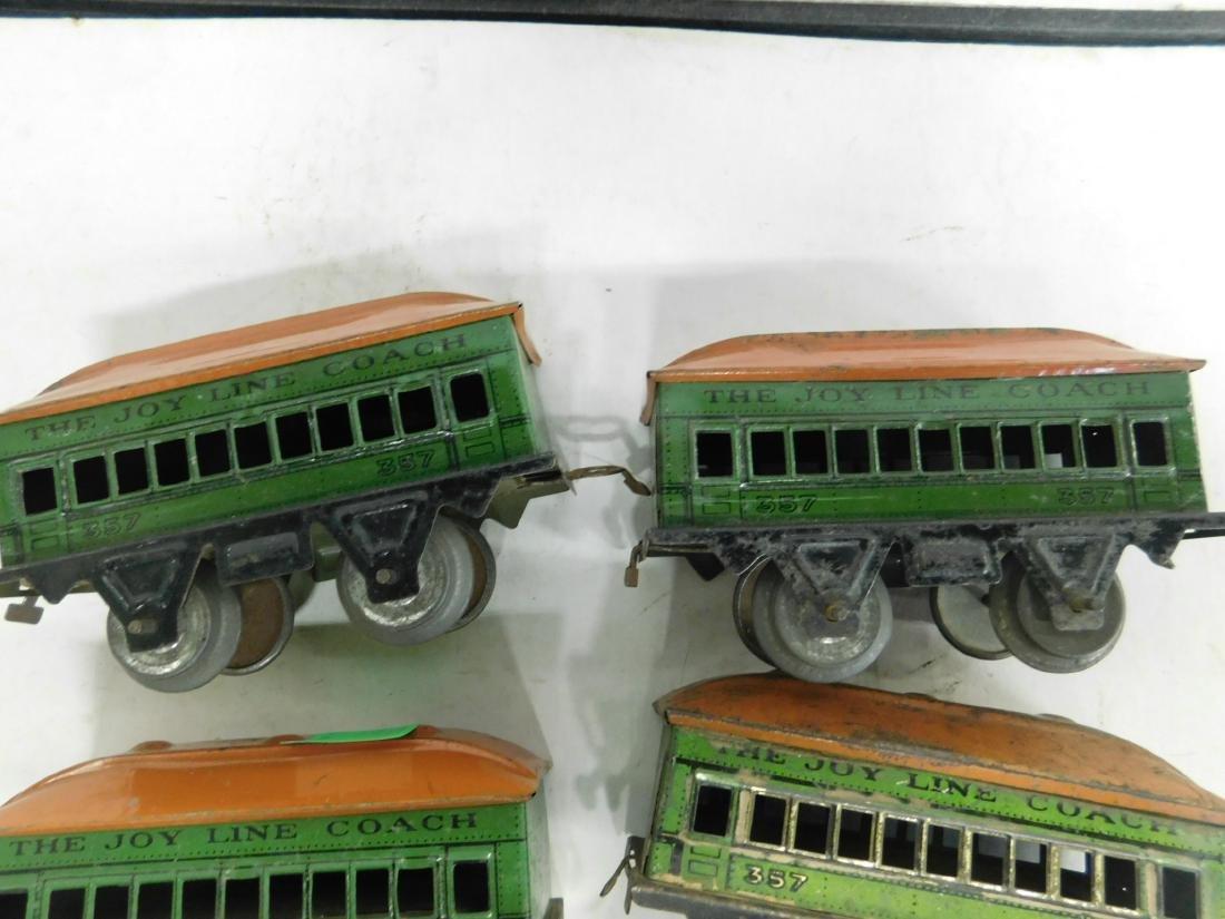 Vintage Cast Iron Wind up Engine & Cars - 4