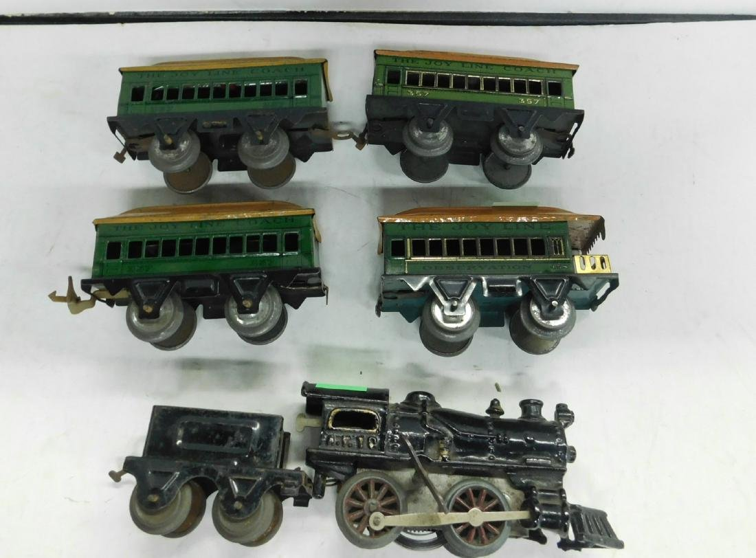 Prewar Cast Iron Wind up Engine & Cars
