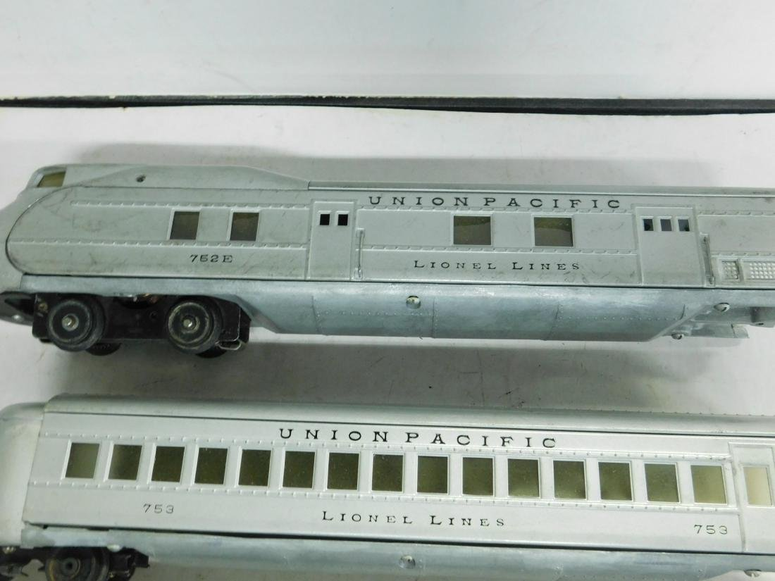 Lionel Lines Prewar 3 Piece Streamline Train Set - 3