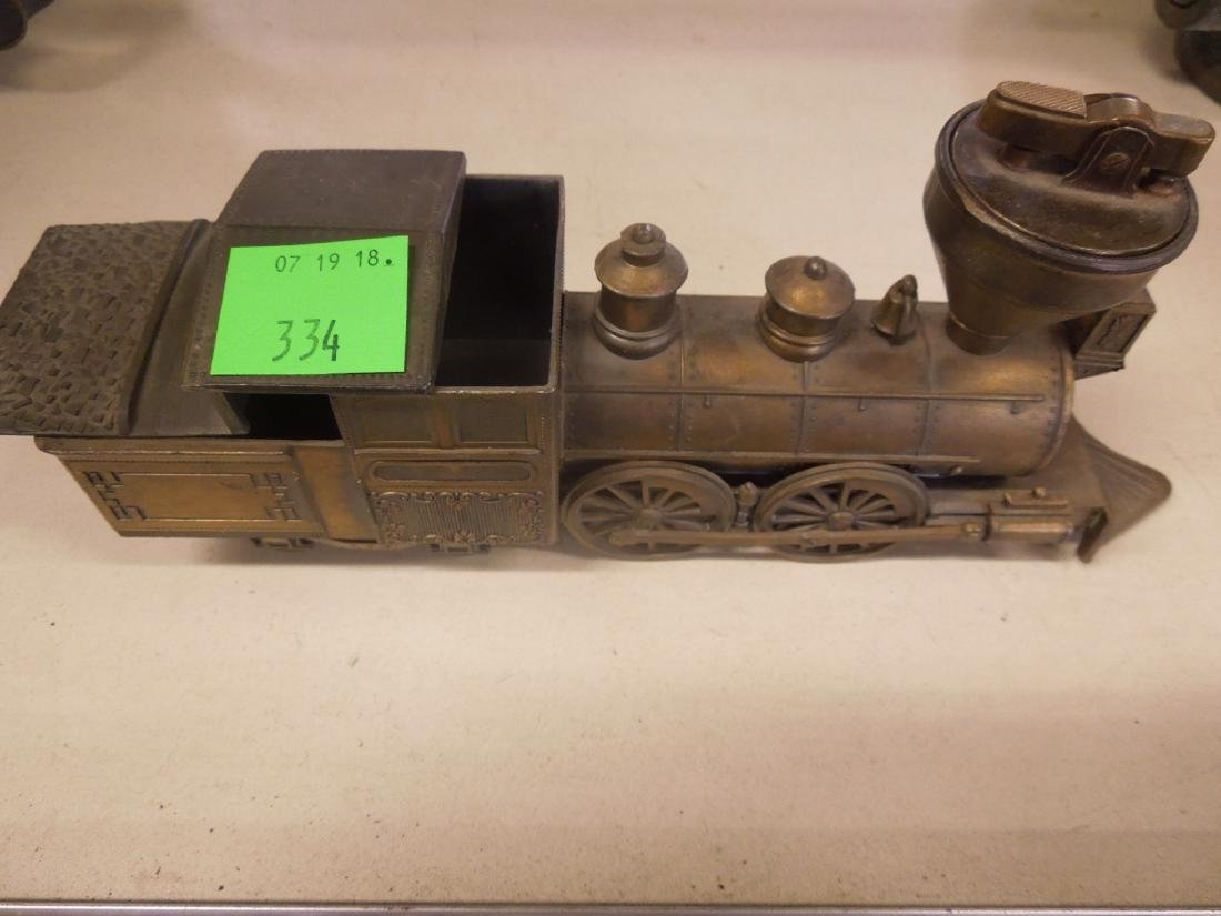 Locomotive Form Cigarette Lighter & Box