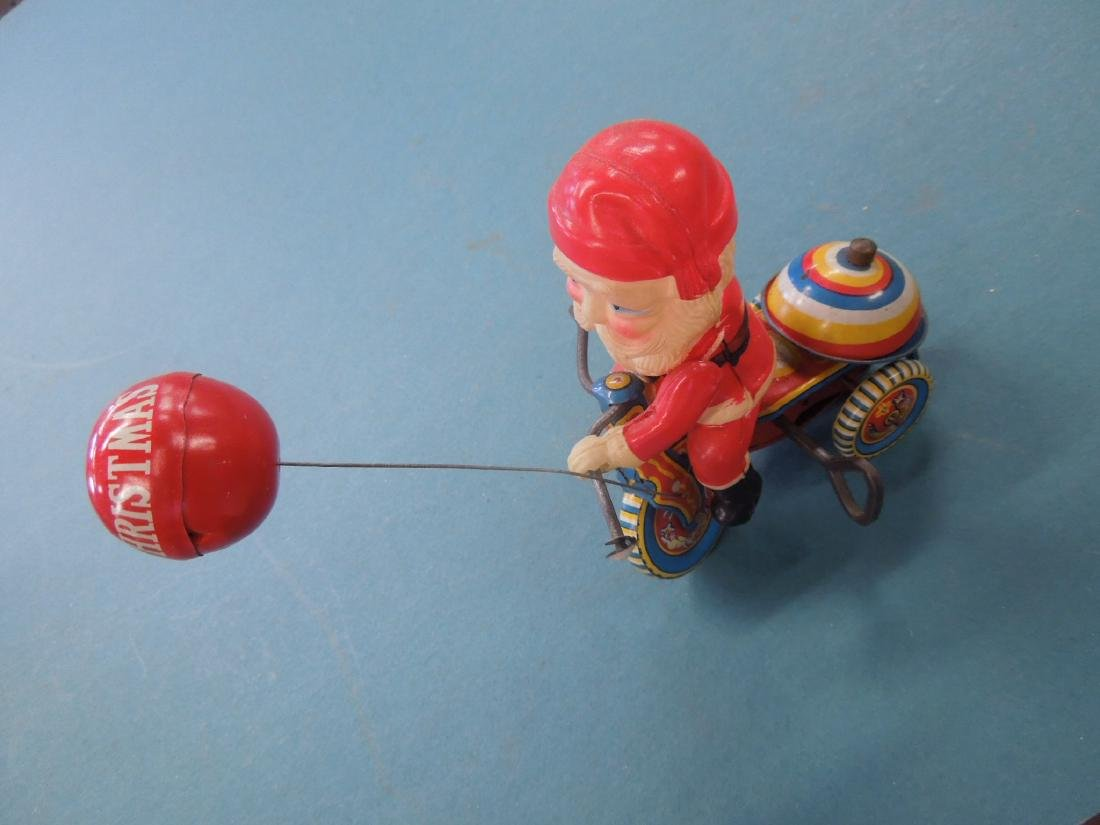 Vintage Tin Litho Wind-up Toy