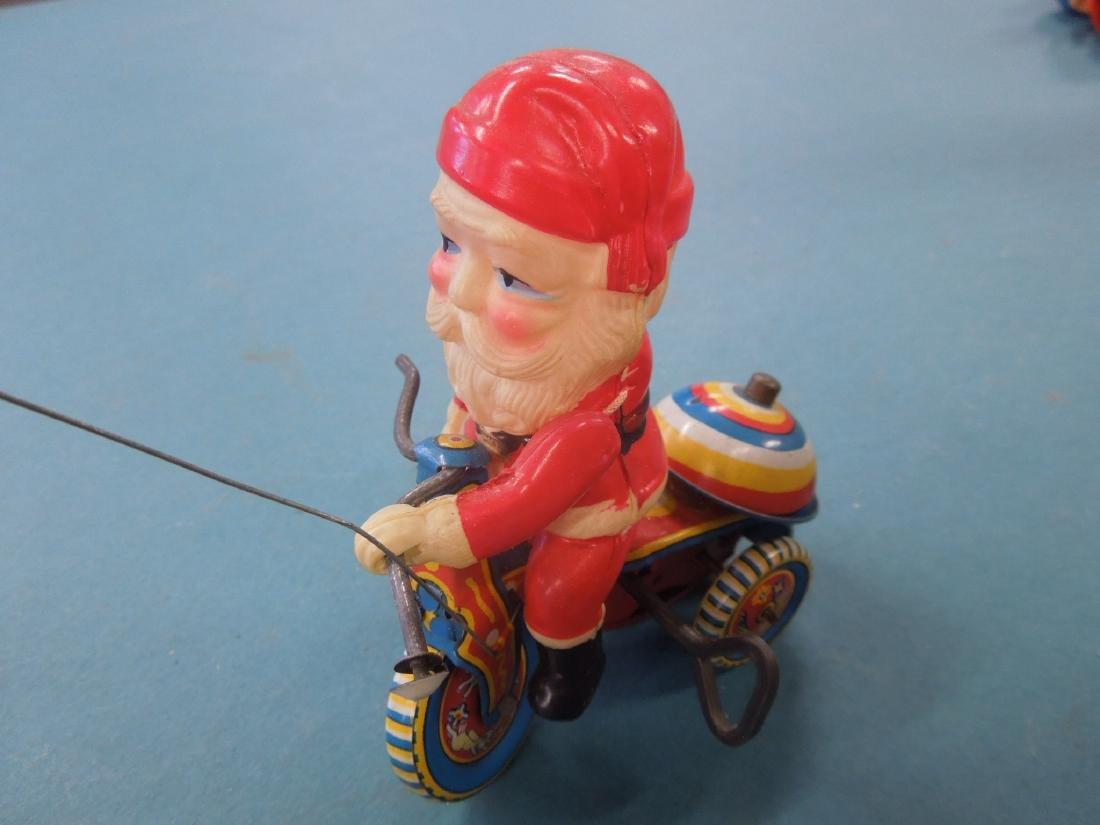 Vintage Tin Litho Wind-up Toy - 2