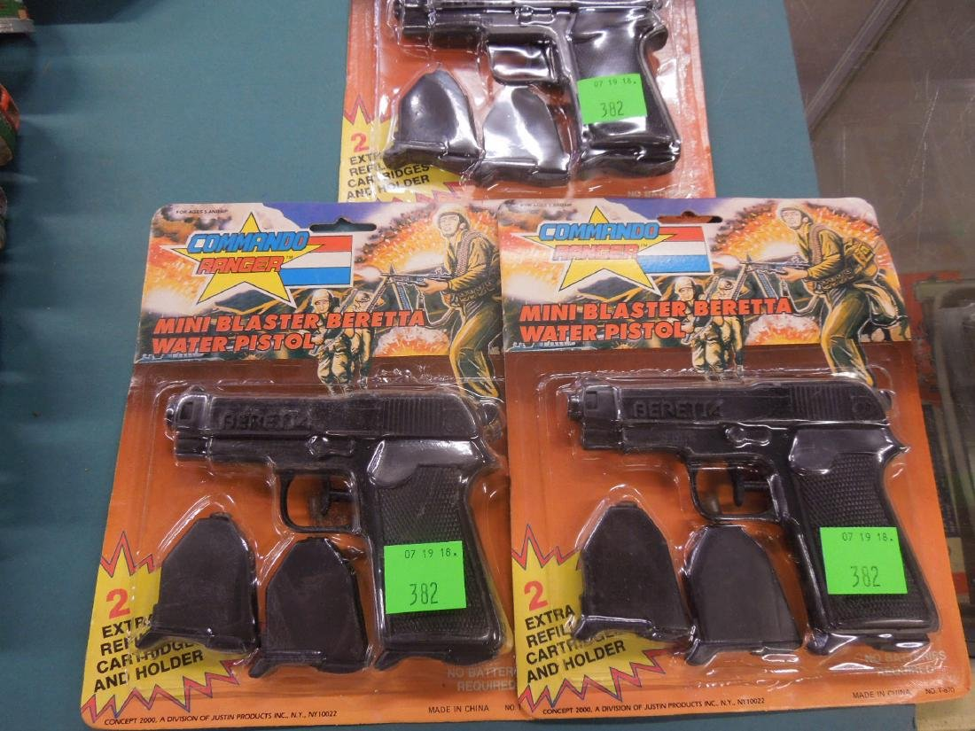 3 Vintage Commando Ranger Toy Water Pistols