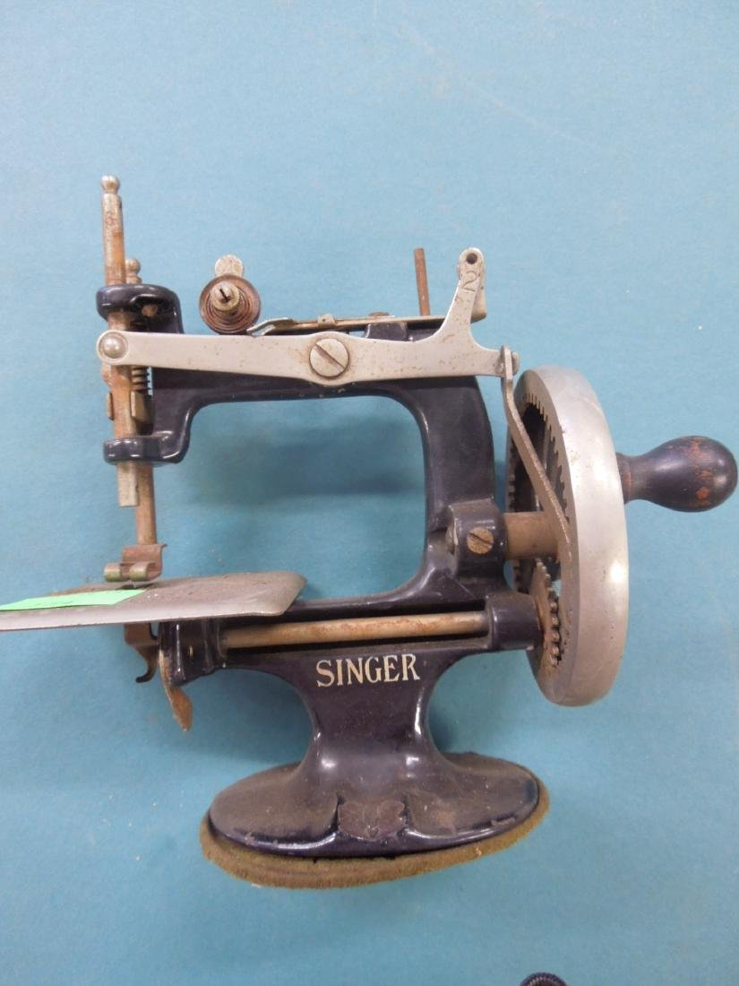 Singer Tabletop Child's Sewing Machine