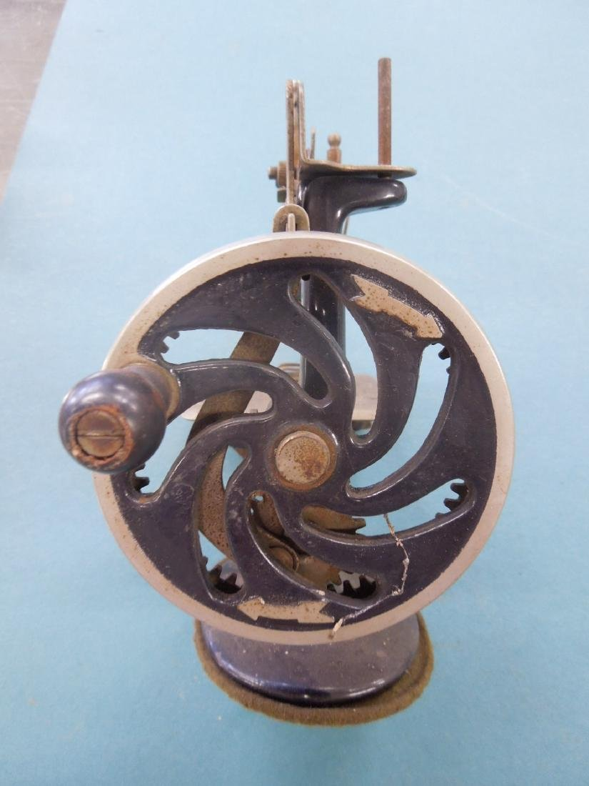 Singer Tabletop Child's Sewing Machine - 3